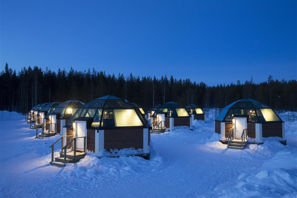 Arctic Glass Igloos 外墙_副本.jpg